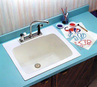 "Mustee 10 25"" X 22"" 13-3/4"" White Molded Fiberglass Three Hole 4"" Or 8"" Center Single Bowl Utility Sink"